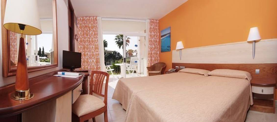Room blau colonia sant jordi resort & spa majorca